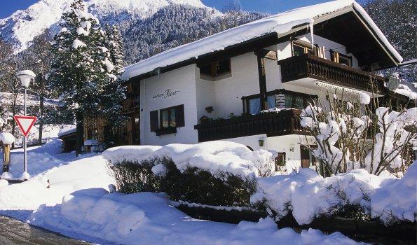 Haus unterm First mit Blick auf Rubihorn