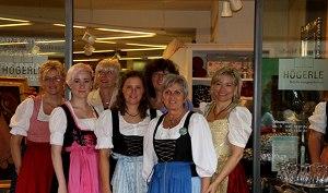 Das Team von Betten Högerle auf der Vernissage