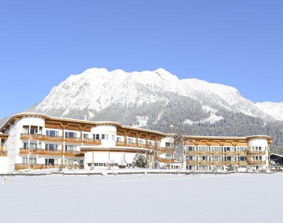 Aussenansicht Alpenhof Winter 1