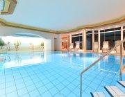 Hallenschwimmbad