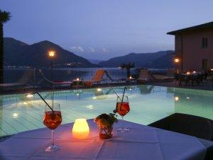 Hotel Arancio Ascona Pool Nacht