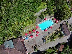 Poolanlage des Hotel Arancio von oben