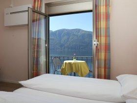 Zimmer mit Seeblick und Klimaanlage