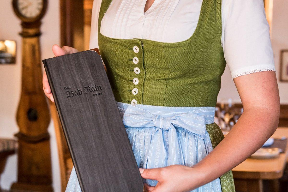 Allgäuer Küche, Allgäuer Tradition, Allgäuer Tracht und Allgäuer Gastfreundschaft erwarten Gäste im Restaurant und Hotel Bad Rain.