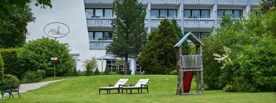 Park mit Spielturm