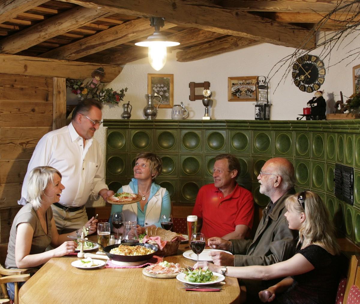 Berühmt Restaurant Gastgeber Zusammenfassung Beschreibung Fotos ...