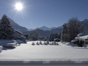 Aussenansicht Winter tagsüber