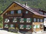Hotel Bergland im Sommer