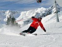 Winterbild-Skifahrer