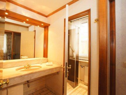 Badezimmer Doppelzimmer Kat. B