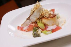 Jacobsmuscheln und Atlasfisch