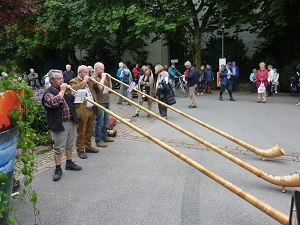 Alphornbläser am Oberstdorfer Marktplatz