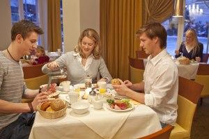 Genießen Sie das köstliche Mohren-Frühstück