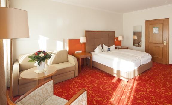 großzügiges Zimmer im Grandhotel-Stil