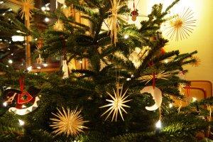 Weihnachtsbaum im Hotel Mohren