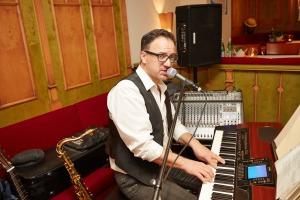 Virtuose am E-Piano