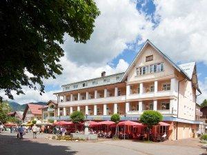 Unsere schöne Sommer Terrasse im Hotel Mohren
