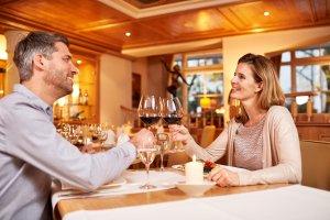 Zu Zweit ein romantisches Abendmenü genießen