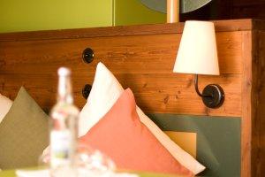 Flauschige Kissen in den Allgäu Design Zimmern