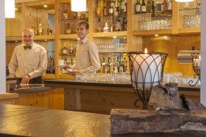 Catalin und Hendrik an der Bar