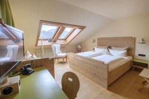 Doppelzimmer Allgäu Feeling mit Dachschräge