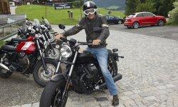 Sebastian auf dem Moped