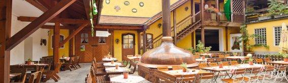 Großer Biergarten und hauseigenes Bier - dafür lieben die Gäste den Brauerei-Gasthof Hotel Post!