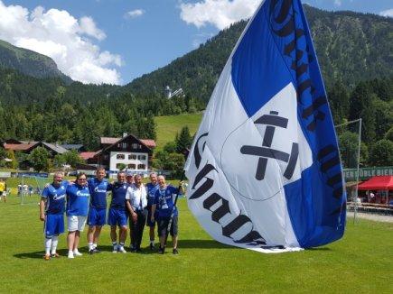 Mehmet Sentürk und seine Schalker Jungs