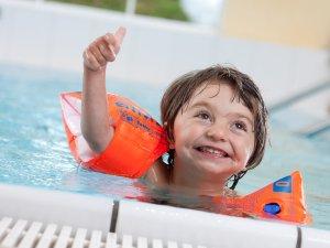 Schwimmbad für groß und klein