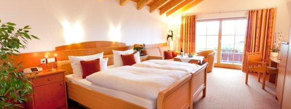 Suiten und Zimmer mit Bergblick