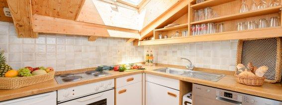 Auch die Küche ist voll ausgestattet