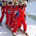 Professionelles Team mit Gaudi und Spass im Schnee