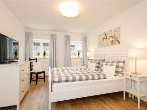 Ferienwohnung Alpenrose Schlafzimmer 2