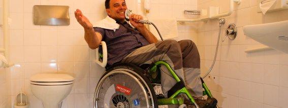 Gute Laune im Rollstuhl Hotel Oberstdorf