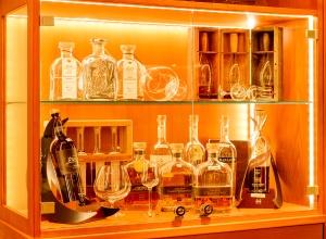 Bar Schnapsschrank