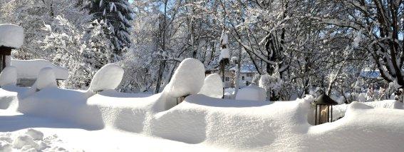 Gartenterrasse im Winter
