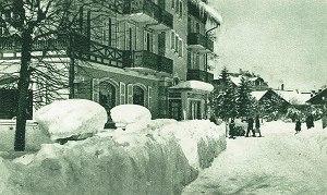Vorplatz im Winter