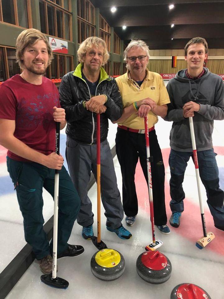 ICO ImpulseConsult Training für das Curling-Charity-Turnier