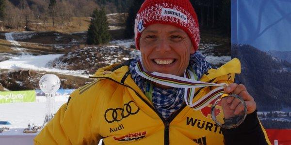 Andrea Eskau Siegerehrung IPC Gesamt-Weltcup
