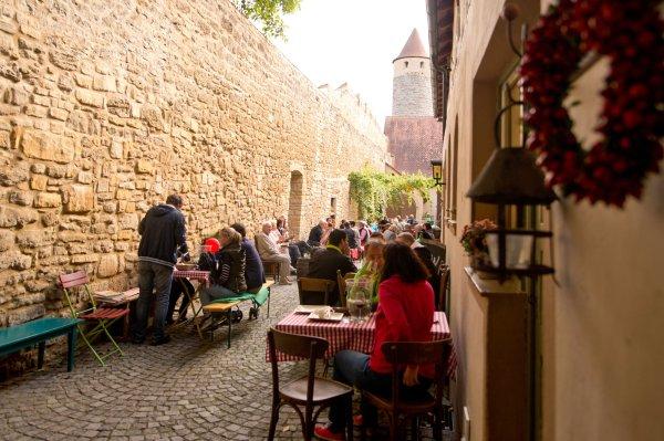Mittelalterliches Ambiente in Gassen und Höfen