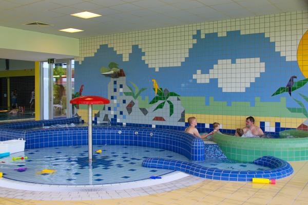 Die Kinderwasserlandschaft im Hallenbad