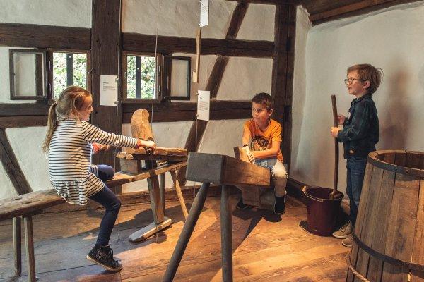 Handwerk erleben: Alte Küferwerkstatt zum Anfassen
