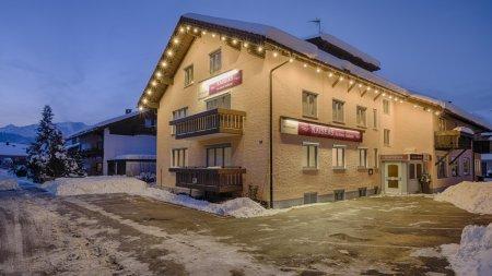 das kleine Stadthotel in Winter
