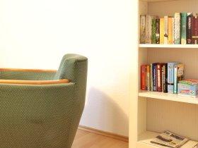 Leseecke mit Leihbibliothek