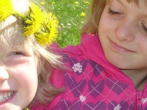 Nicole und Belinde genießen den Frühling!