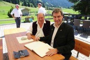 Bürgermeister Konrad Kienle freut sich über den Besuch!