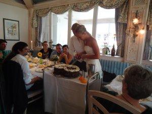 Die Torte ist angeschnitten!