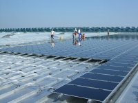 Befestigung von Solaranlagen auf einem Blechdach