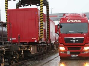 Transport auf der Schiene