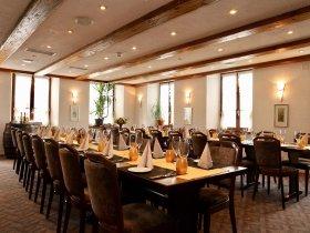 Festsaal Restaurant Hotel Weisses Kreuz in Breitenbach